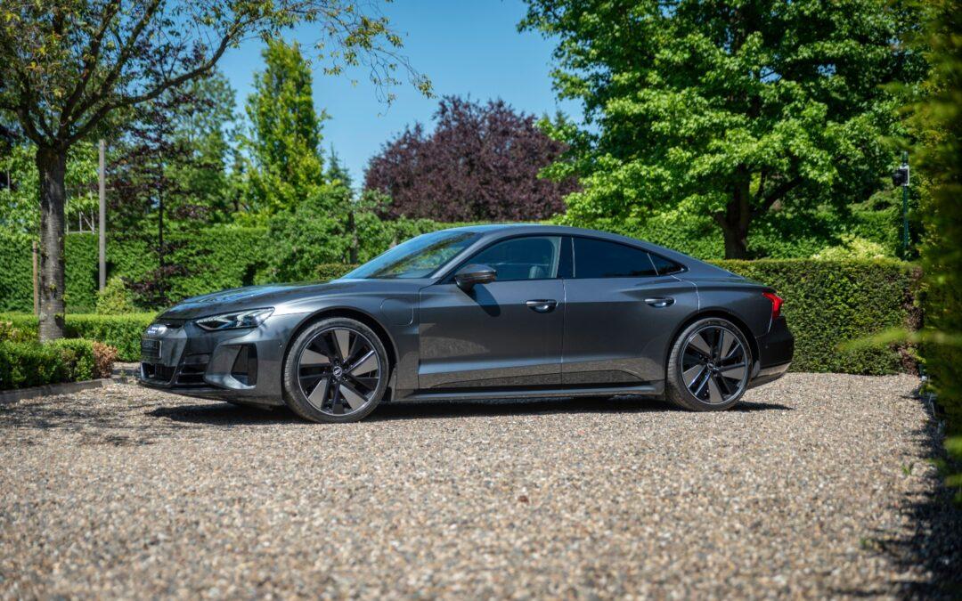 De Audi E-tron GT, adembenemend in schoonheid en techniek.